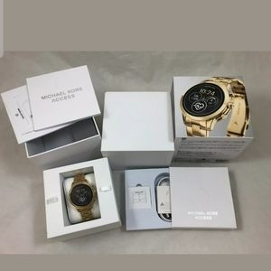 Michael Kors Runway gold smartwatch